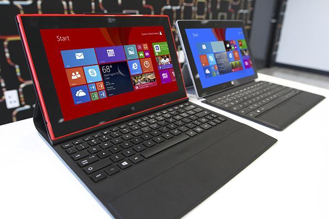 планшет Nokia Lumia 2520 очень узнаваем и соответствует стилю производителя