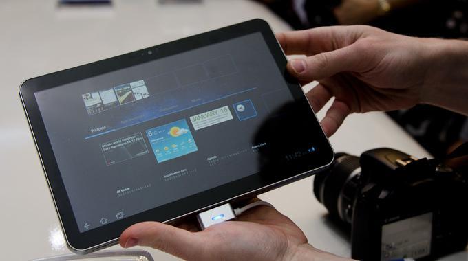 Galaxy Tab способен работать без подзарядки достаточно долго