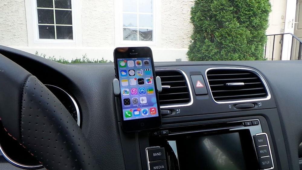iPhone в автомобиле