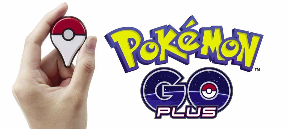 Рука и Pokemon Go Plus