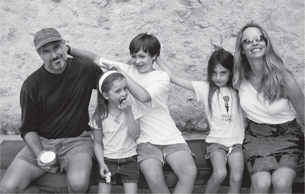 Стив Джобс и его семья