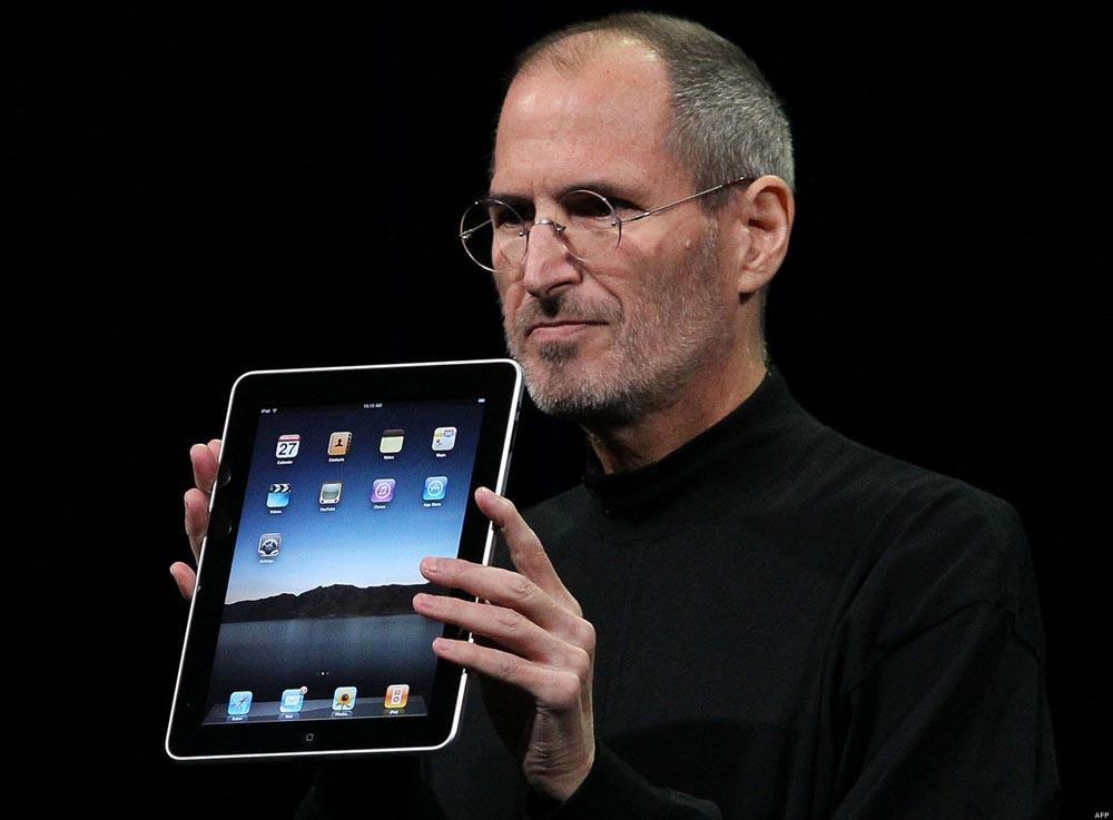 Стив Джобс с iPad