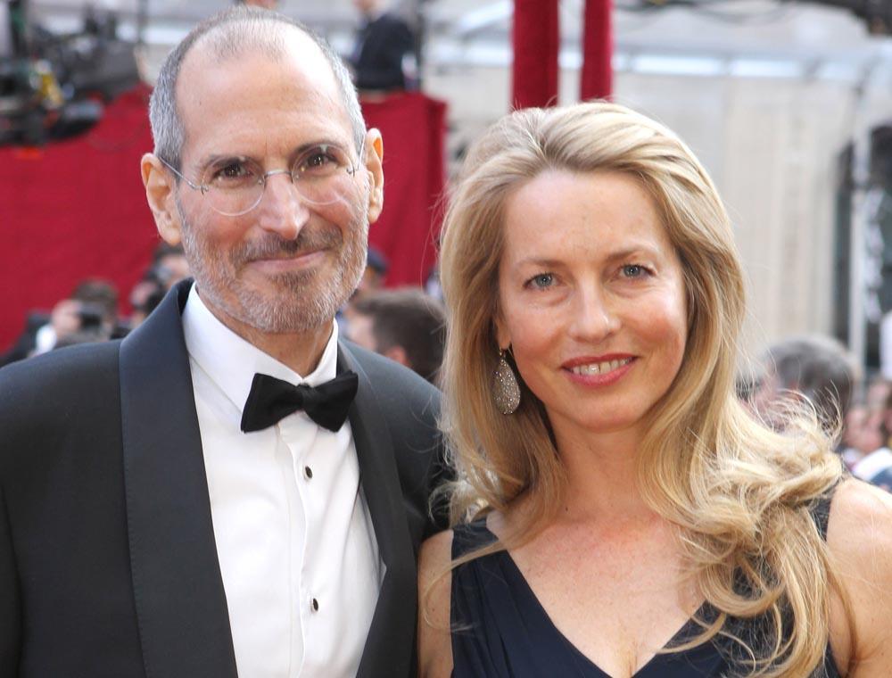 Стив Джобс с супругой