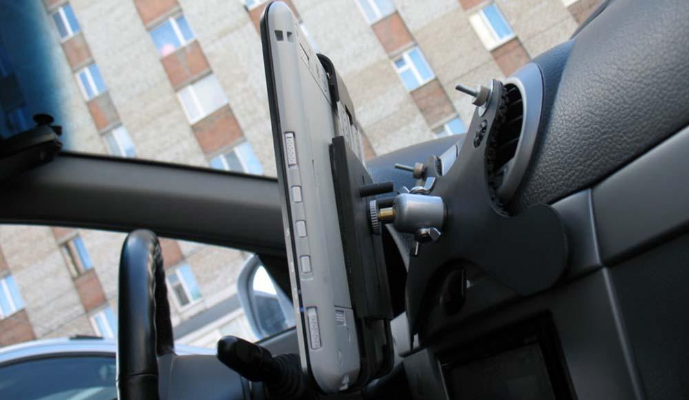 Как сделать крепёж для планшета в автомобиль своими руками