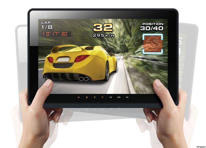 Пользователю остается лишь выбрать понравившуюся игру, установить игру на планшете на карту памяти и играть