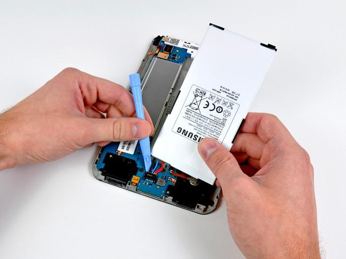 Извлечение аккумулятора планшета