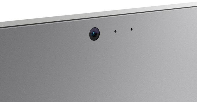 Тыловая камера на планшете