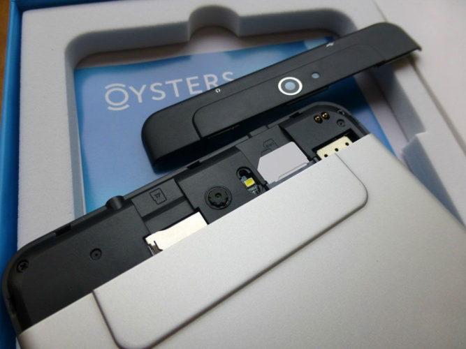 Камера и слот для сим-карты