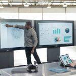 Microsoft представила гигантский планшет Surface Hub