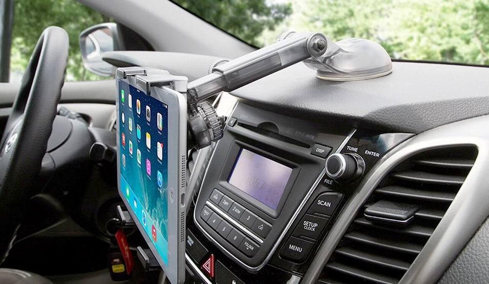 Как правильно выбрать держатель для планшета в автомобиль